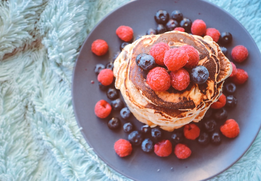 Almond-flour-pancake-with-fruits-Healthy-Breakfast