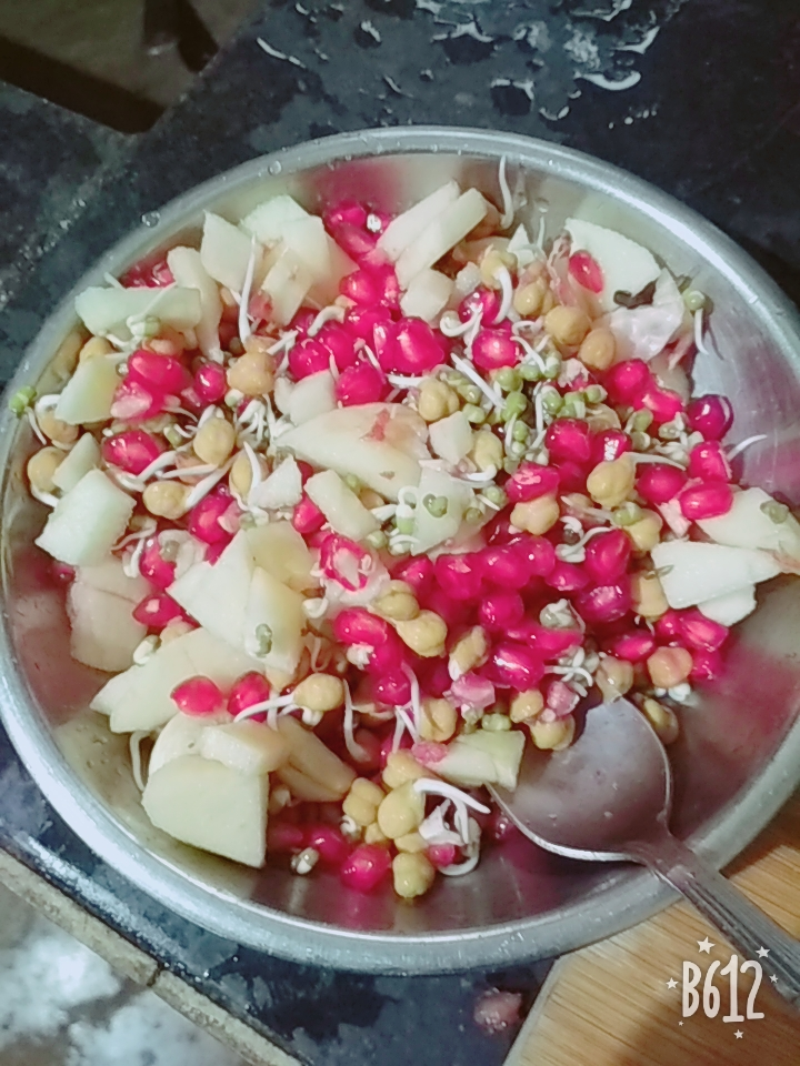 Sprouted Beans-Pomogranate-Apple-Nuts